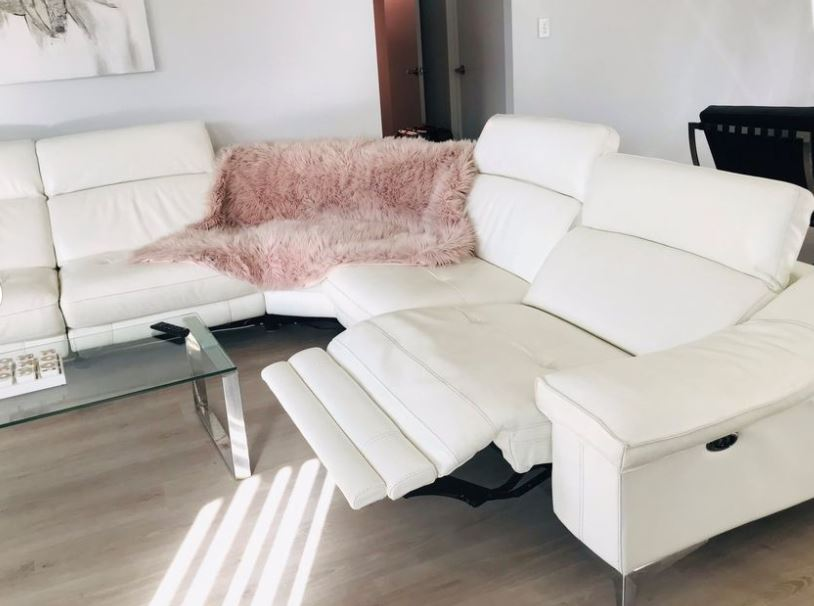 white leather lounge cleaning